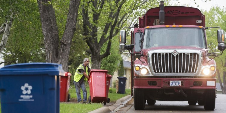 Bloomington approves resolution to organize trash collection