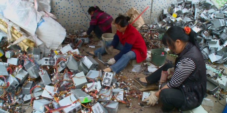 China: The electronic wastebasket of the world - CNN.com