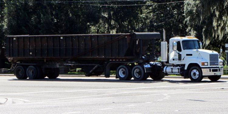 Hillsborough County Solid Waste Management - Mack CHU Trac… | Flickr