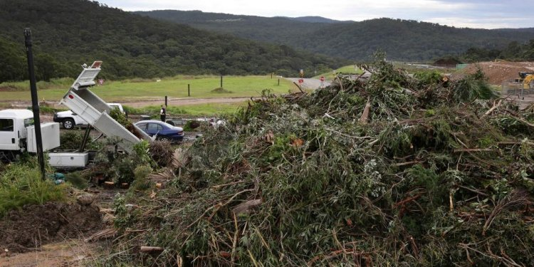 More than 250 tonnes of waste dumped at Woy Woy on weekend after